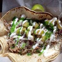 Снимок сделан в Brooklyn Taco Company пользователем Zeb D. 7/27/2012