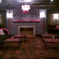 Foto tomada en Cure Lounge por Adnan U. el 3/1/2012