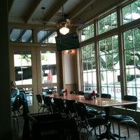 Foto diambil di Mia's Table oleh Ann N. pada 7/8/2012