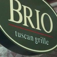 Foto tomada en Brio Tuscan Grille por Jordan B. el 7/22/2012