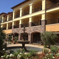 Foto scattata a Meritage Resort and Spa da Andrew B. il 5/19/2012