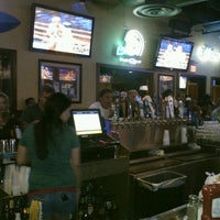 Foto diambil di Bru's Room Sports Grill - Deerfield Beach oleh Alan K. pada 5/6/2012