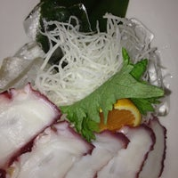 Foto diambil di Edoko Sushi & Robata oleh Patricia F. pada 7/7/2012