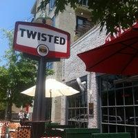 Foto tirada no(a) Twisted Root por David P. em 6/9/2012