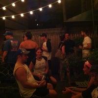 Foto scattata a Soft Spot Bar da Eric R. il 8/26/2012