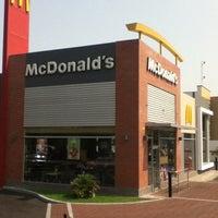 Foto tomada en McDonald's por Omar A. el 5/7/2012