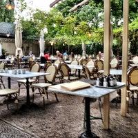 Das Foto wurde bei Café Einstein Stammhaus von Jan B. am 9/9/2012 aufgenommen