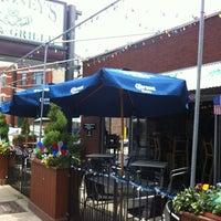 รูปภาพถ่ายที่ Mahoney's Pub & Grille โดย Andrew K. เมื่อ 5/29/2012