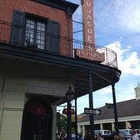 Das Foto wurde bei Tujague's Restaurant von Lynne V. am 4/20/2012 aufgenommen