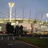 Das Foto wurde bei Melbourne Cricket Ground (MCG) von Josh R. am 5/12/2012 aufgenommen