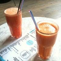Photo prise au El Cafe par Georgi G. le8/26/2012