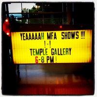 รูปภาพถ่ายที่ Tyler School of Art โดย Elyse L. เมื่อ 4/20/2012