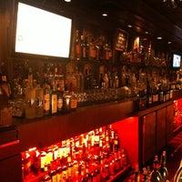 Foto tomada en The Dresden Restaurant por Simon W. el 6/16/2012