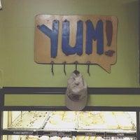 8/18/2012에 ᴡ A.님이 Sweetwater's Donut Mill에서 찍은 사진