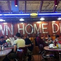 Das Foto wurde bei Down Home Diner von Justin M. am 9/2/2012 aufgenommen