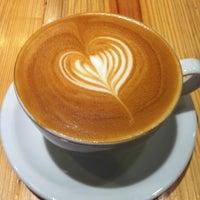 Снимок сделан в Metropolis Coffee Company пользователем Darleen S. 8/30/2012