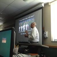 Photo prise au Classroom Building par Megan H. le6/5/2012