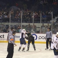 Foto tomada en Allstate Arena por Kendall P. el 3/15/2012