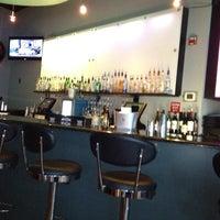 Снимок сделан в Solas Lounge & Rooftop Bar пользователем Paula E. 4/7/2012