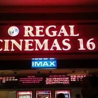 Foto tirada no(a) Regal Cinemas Red Rock 16 & IMAX por Mitchell C. em 8/5/2012
