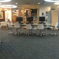8/5/2012 tarihinde Panda S.ziyaretçi tarafından Maruay Knowledge & Resource Center'de çekilen fotoğraf
