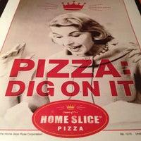 Foto scattata a Home Slice Pizza da Adam K. il 2/6/2012
