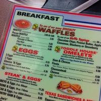 8/25/2012에 Martha F.님이 Waffle House에서 찍은 사진