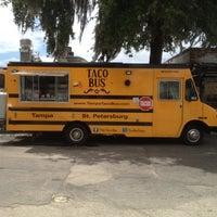Foto tirada no(a) Taco Bus por Toby S. em 5/1/2012