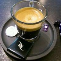 Снимок сделан в Nespresso Boutique пользователем Mike G. 5/10/2012