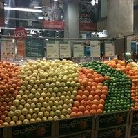 Foto tomada en Whole Foods Market por Nea el 3/20/2012