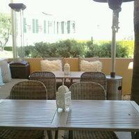 Снимок сделан в Crescent Hotel Beverly Hills пользователем Irene O. 3/2/2012