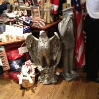Foto scattata a Cracker Barrel Old Country Store da Jared L. il 5/6/2012