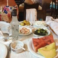 Foto scattata a Cunda Deniz Restaurant da Murat M. T. il 6/2/2012