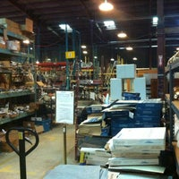 Das Foto wurde bei Community Forklift von Chris M. am 7/26/2012 aufgenommen