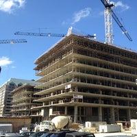 รูปภาพถ่ายที่ CityCenter DC โดย Ann เมื่อ 6/15/2012