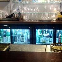 2/10/2012 tarihinde Daton L.ziyaretçi tarafından Sake Bar Ginn'de çekilen fotoğraf