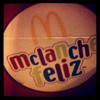 Foto tirada no(a) McDonald's por Thais R. em 8/25/2012