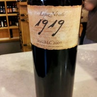 Photo prise au Diplomat Wines & Spirits par Mary le5/9/2012