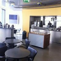 Foto tirada no(a) Lufthansa Senator Lounge por K M. em 4/17/2012