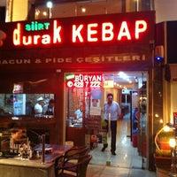 Foto tirada no(a) Durak Kebap por Edip YALTIR . em 9/9/2012