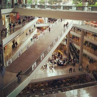 Foto diambil di Millennium Mall oleh Andrés Leonardo G. pada 7/20/2012