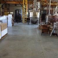 รูปภาพถ่ายที่ Vermont Spirits Distillery โดย Meryl C. เมื่อ 7/1/2012