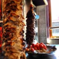Das Foto wurde bei Döner Kabab von Esteban D. am 6/21/2012 aufgenommen