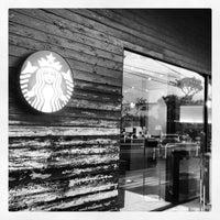5/10/2012にGenichiro T.がStarbucks Coffee 鎌倉御成町店で撮った写真