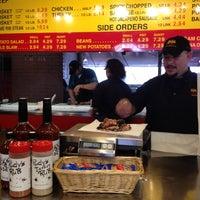 Photo prise au Rudy's Country Store & Bar-B-Q par Nancy B. le3/13/2012