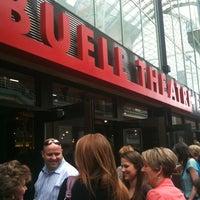 Photo prise au Temple Hoyne Buell Theater par Anna G. le3/17/2012