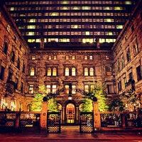 4/20/2012にArtJonakがLotte New York Palaceで撮った写真