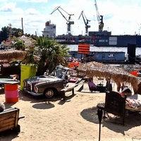 Das Foto wurde bei StrandPauli von Peter J. am 8/13/2012 aufgenommen