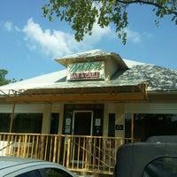 Das Foto wurde bei Hyde Park Bar & Grill von Ryan H. am 7/14/2012 aufgenommen