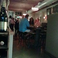 Foto diambil di The Cellar oleh Xavier F. C. pada 9/1/2012